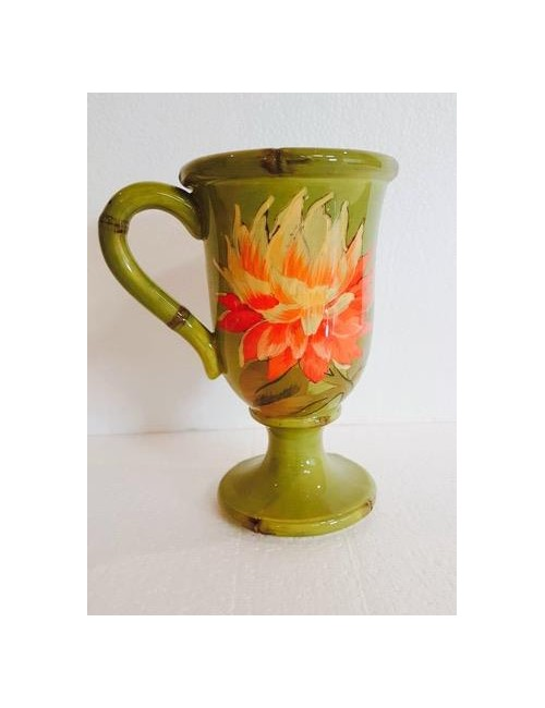 Glass with green foot with certified gift flowers