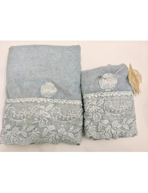 Pair of Arte Pura towels