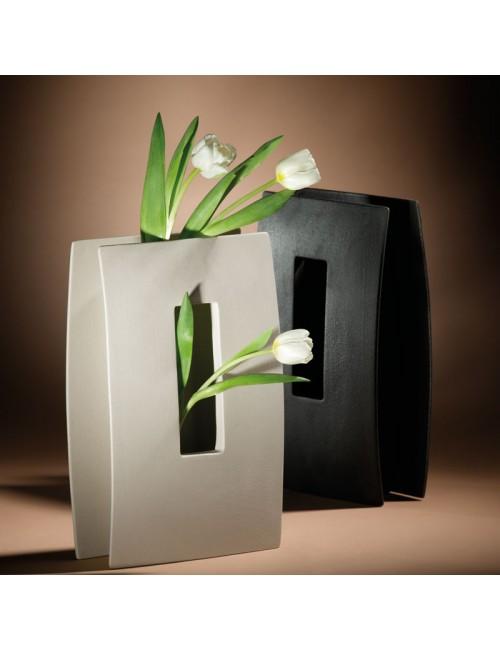 Vase Lineasette window