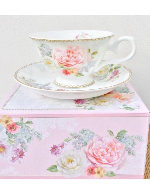 easy life in September cup with tea in porcelain pot romantic lace